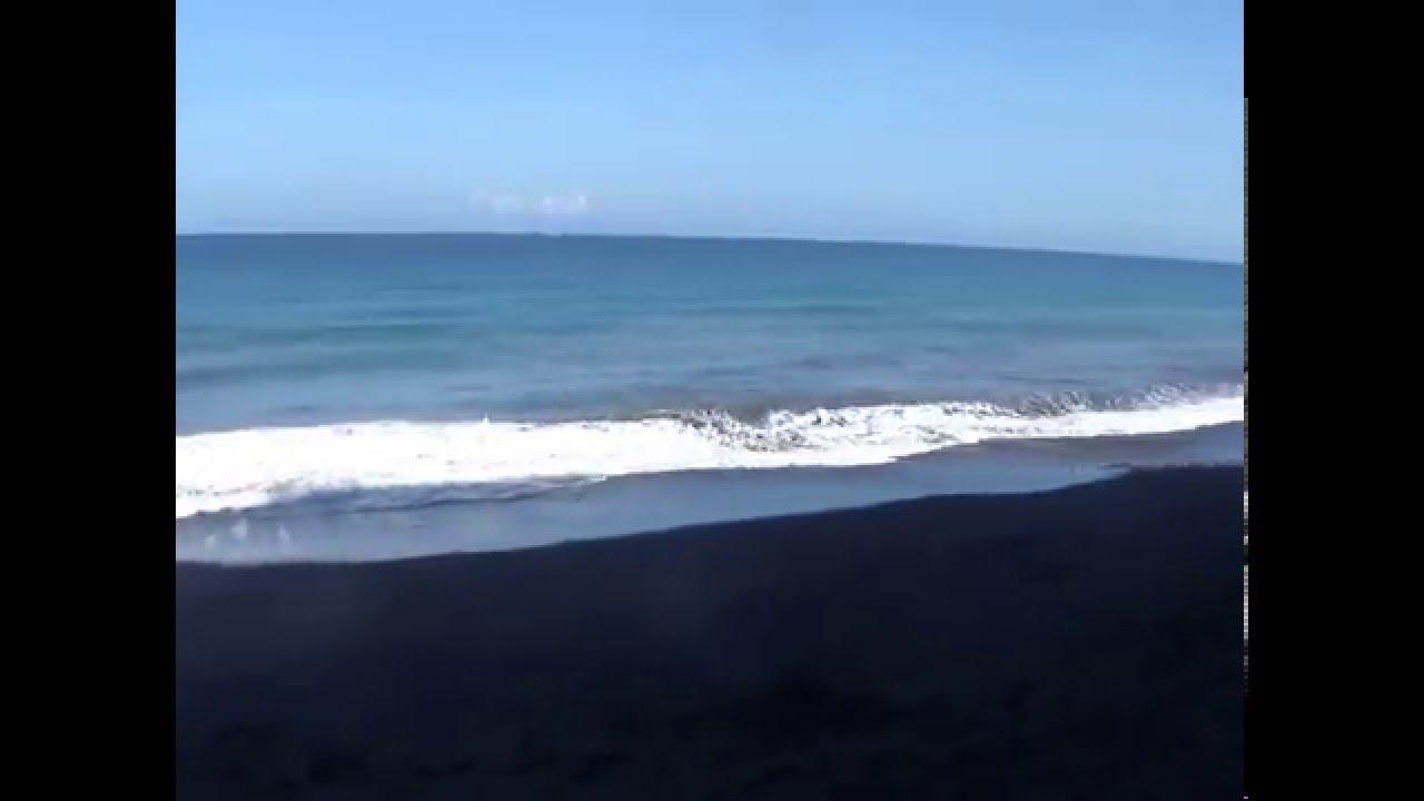 Sungguh Indahnya Pantai Watu Godek Lumajang Youtube Pecak Kab