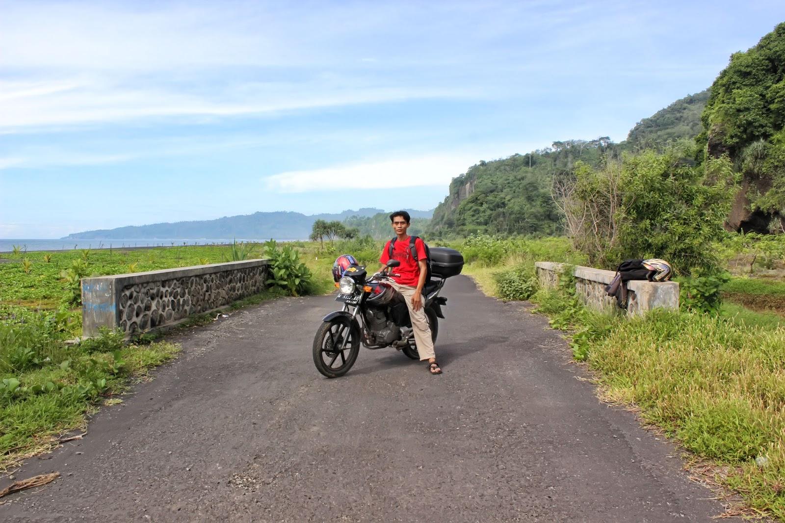 Trip Pantai Watu Godeg Lumajang Arah Selatan Sekitar 80 Km