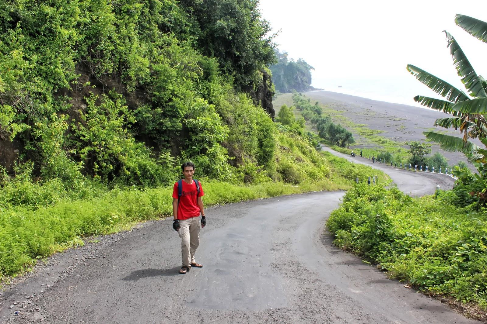 Trip Pantai Watu Godeg Lumajang Pecak Kab