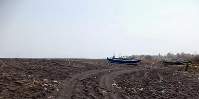 Wisata Pantai Watu Pecak Lumajang Wongcrewchild Panorama Cukup Mempesona Kondisinya