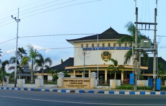Ibu Kota Kabupaten Madiun Pindah Caruban Resmi Alun Kab