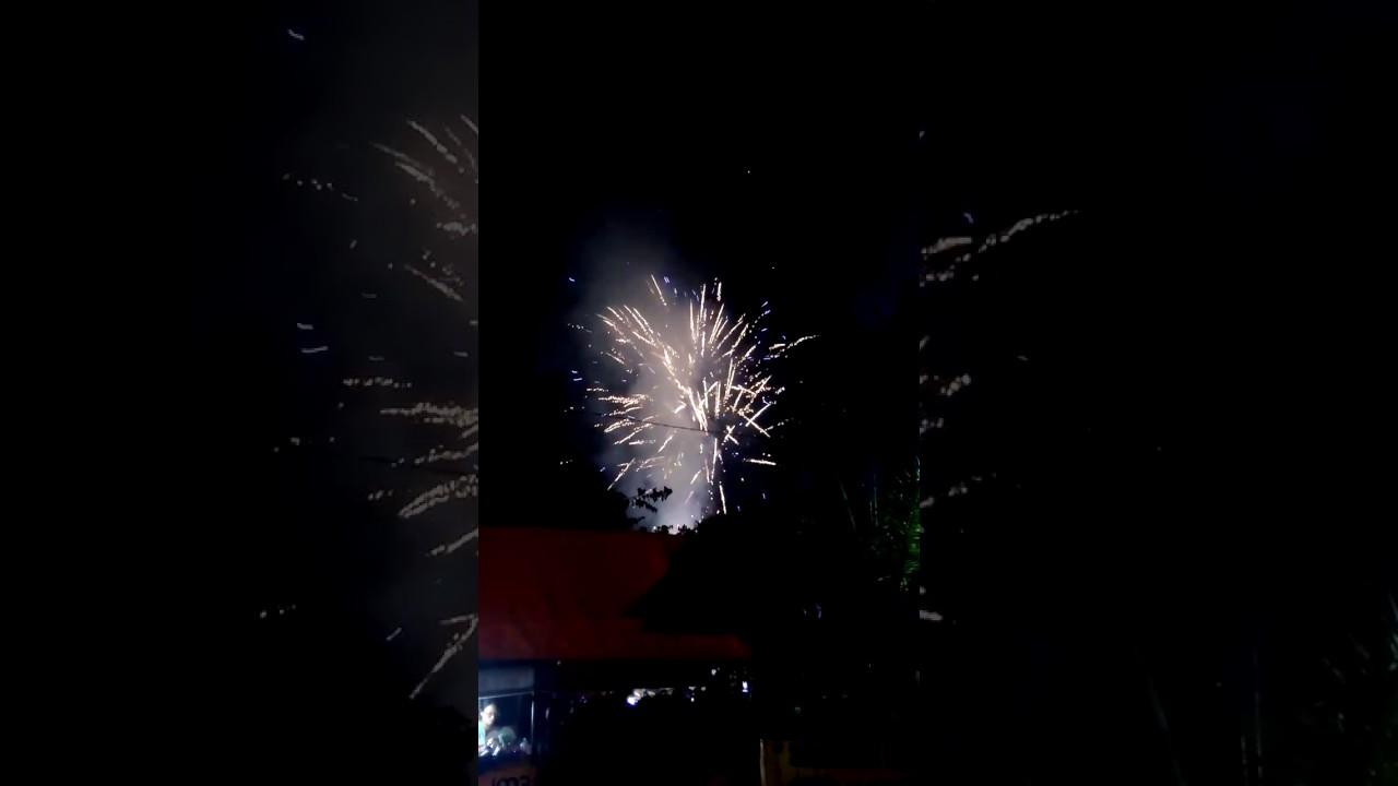 Meriahnya Kembang Api Menyambut 2017 Alun Kota Madiun Kab