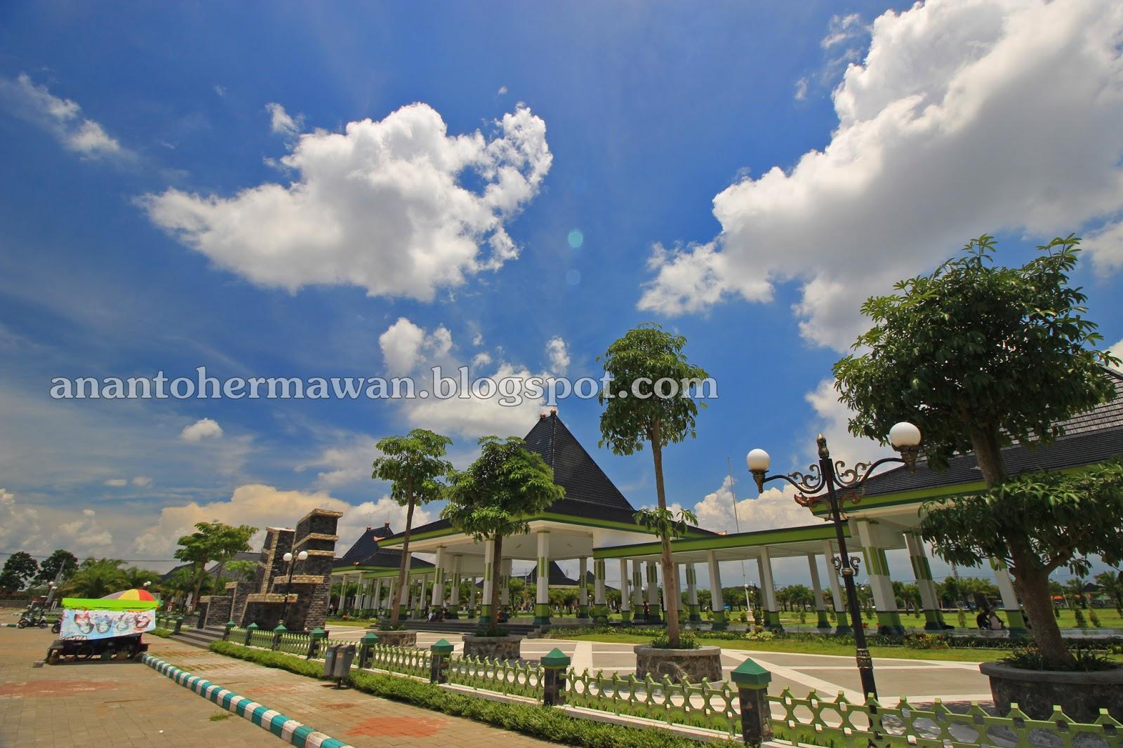 Pusat Pemerintahan Kabupaten Madiun Alun Kota Mejayan 05 Maret 2017