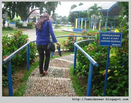 Traveling Alun Kota Madiun Ketika Kantor Bupati Oleh Monumen Pahlawan