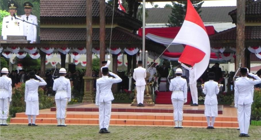 Walikota Madiun Menjadi Inspektur Upacara Detik Proklamasi Bambang Irianto Hut