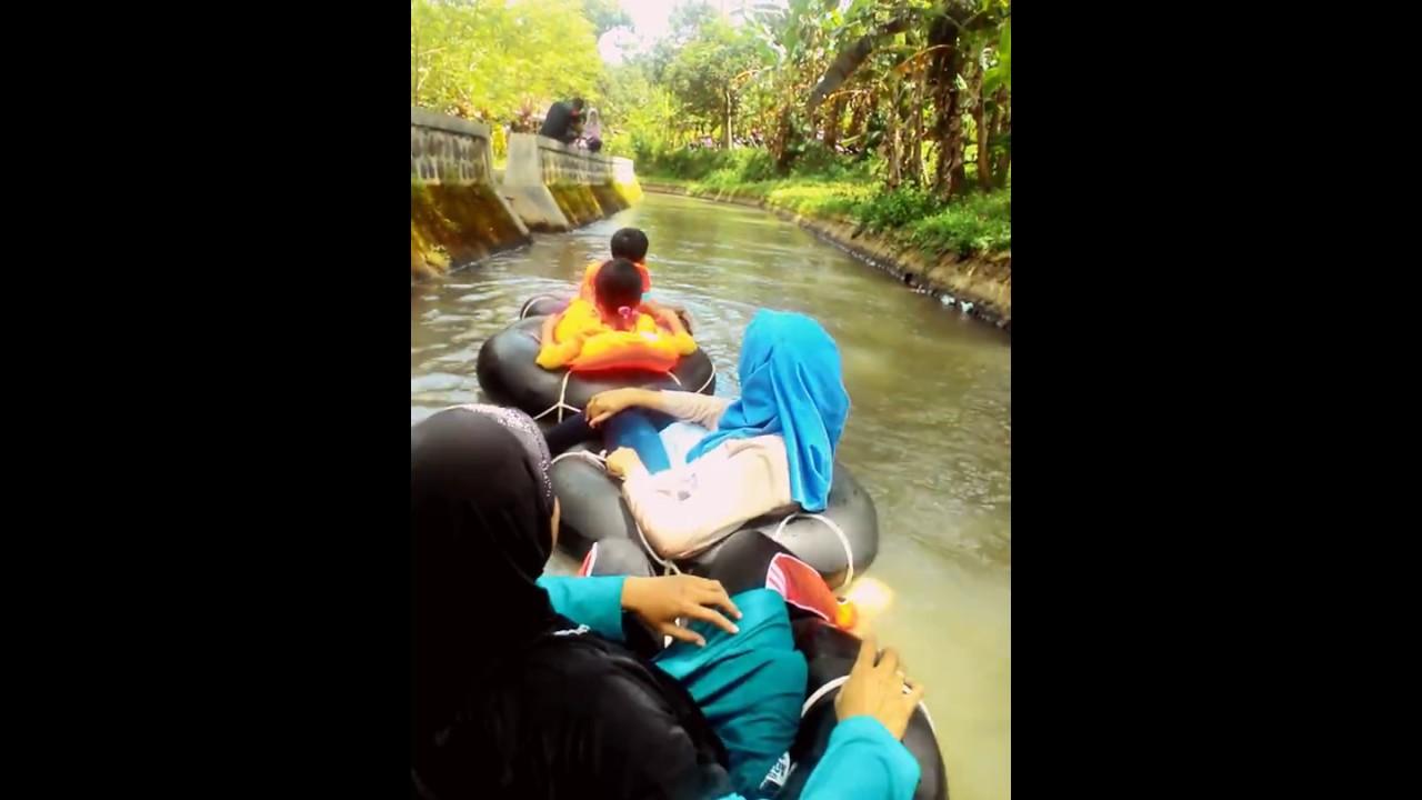 Elsi Macrame Main Desa Wisata Brumbun Youtube Tubing Adventure Kab