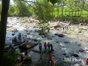 Wisata Madiun Asyiknya Pelesir Desa Brumbun Sejumlah Wisatawan Menikmati Suasana