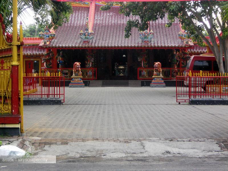 Daerah Tradisi Menjelang Imlek Kelenteng Tri Dharma Hwie Ing Kiong