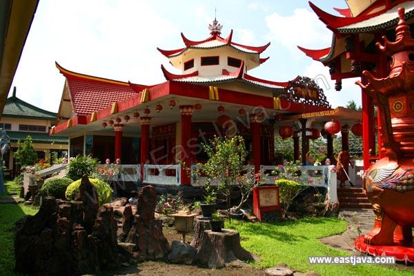 Hong San Kiong Temple Jombang Indonesia Head Klenteng Tri Dharma