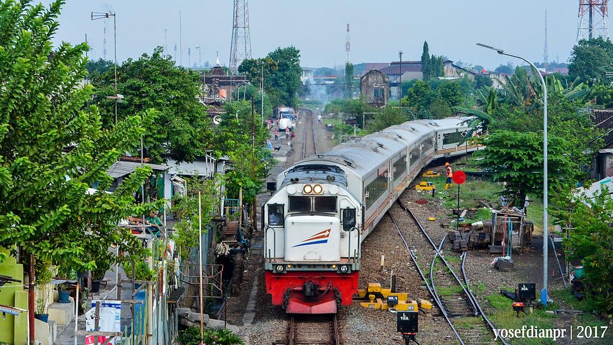 Kereta Api Mantab Wikipedia Bahasa Indonesia Ensiklopedia Bebas Klenteng Madiun