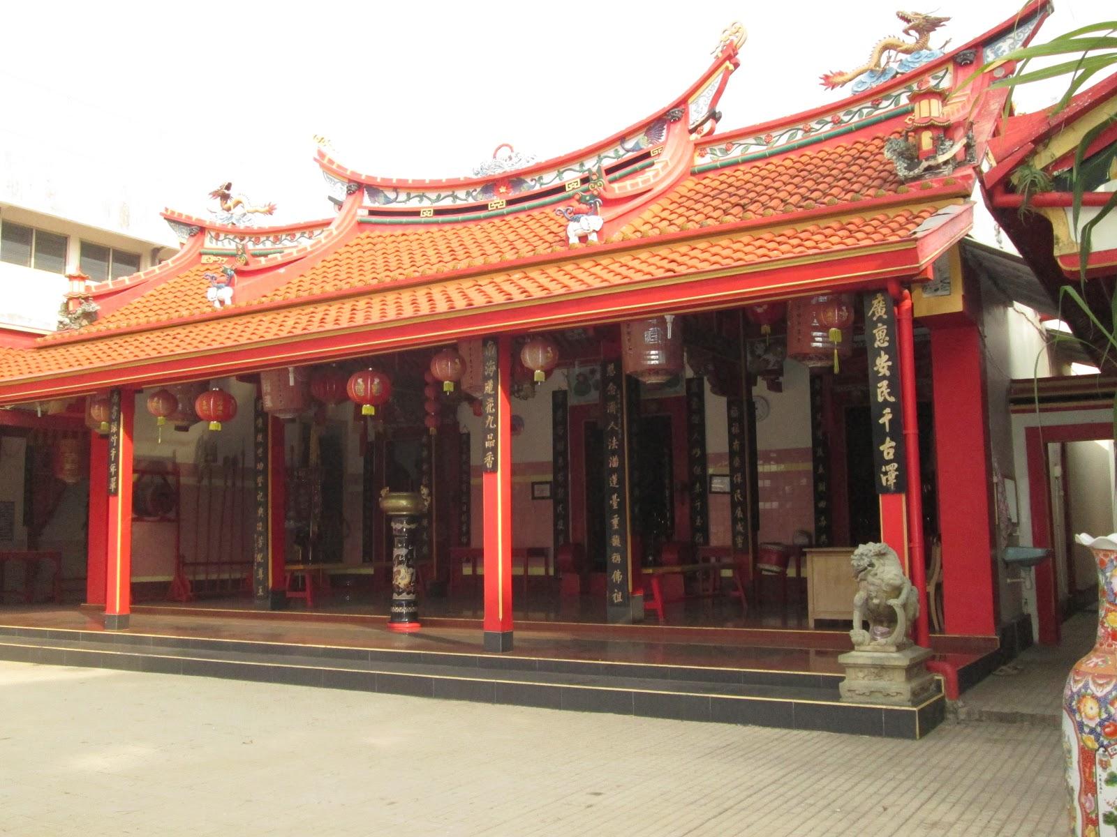 Klenteng Tjoe Tik Bio Juwana Kekunaan Selama Penulis Mengunjungi Sejumlah