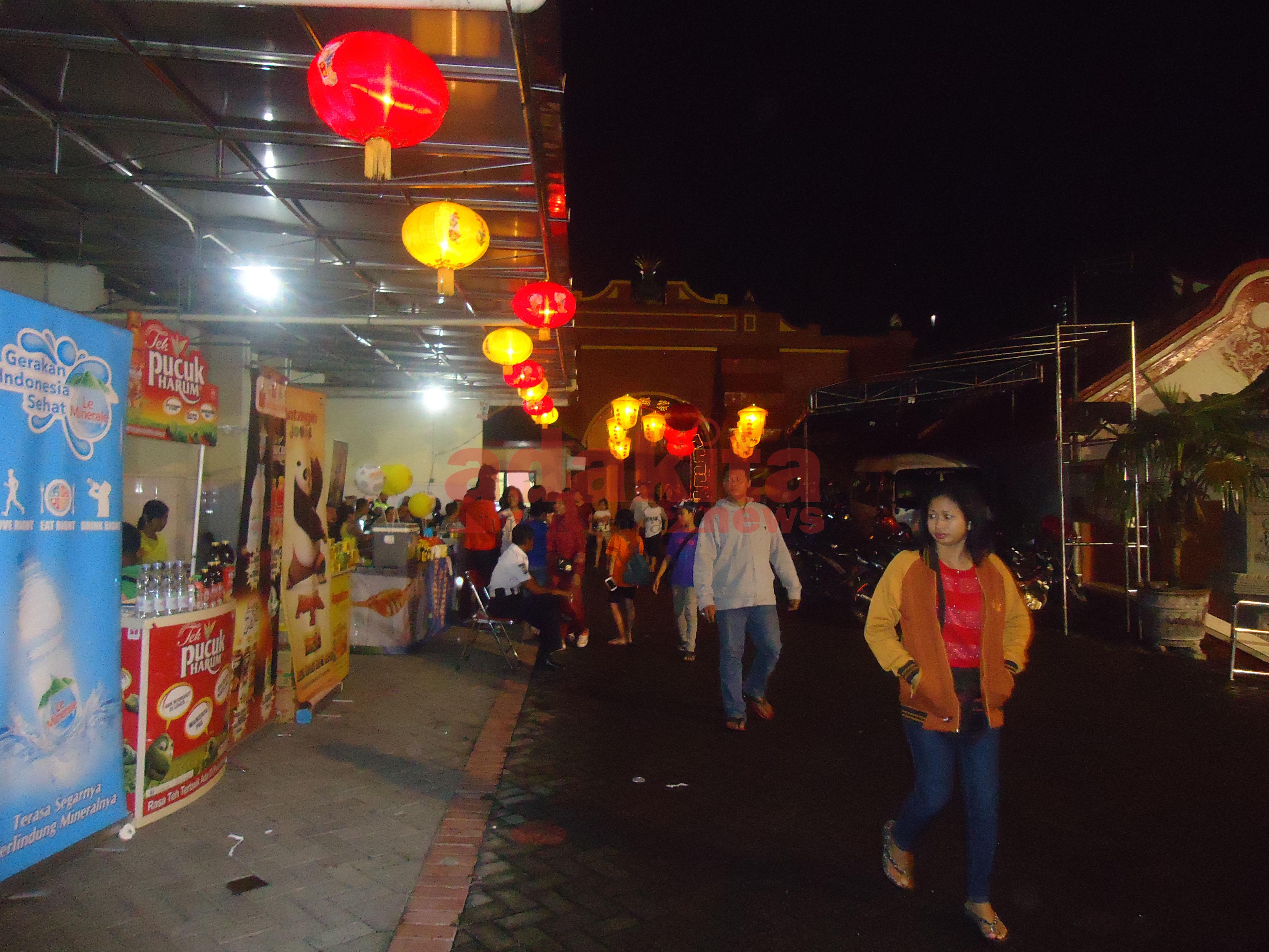 Perayaan Imlek Warga Beragama Lain Datang Klenteng Madiun Tri Dharma