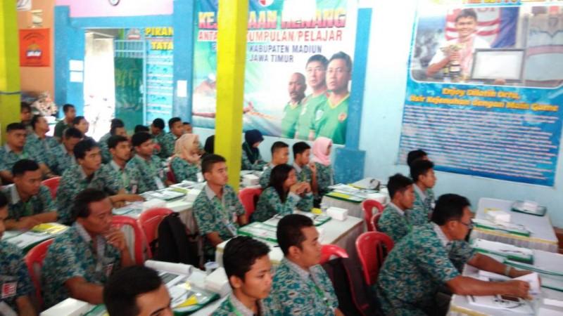 Olahraga Penataran Pelatih Juwi Wasit Renang Piranha Madiun Kolam Kab