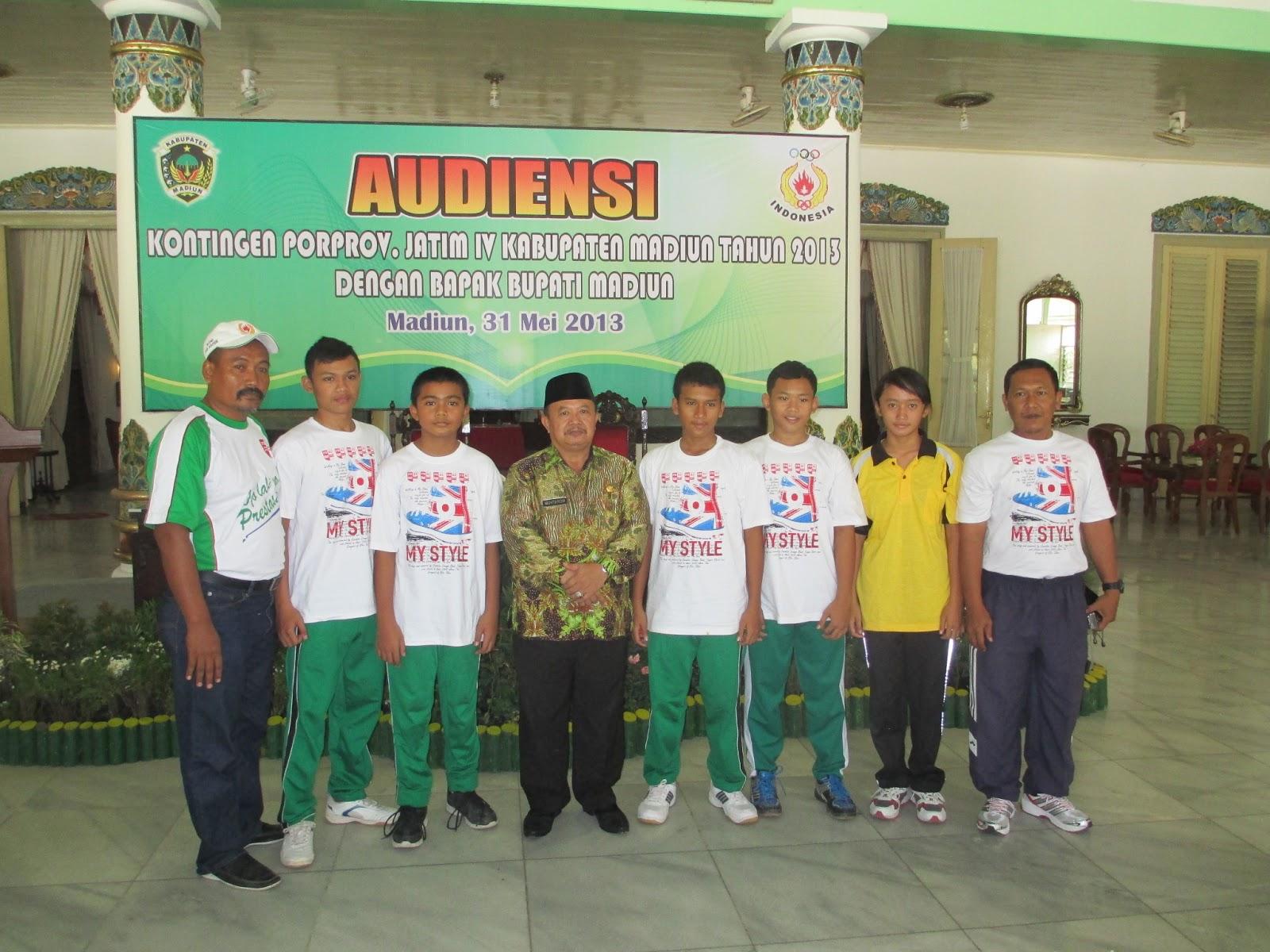 Piranha Swimming Club Madiun Galeri Foto Bersama Atlit Kabupaten Bupati