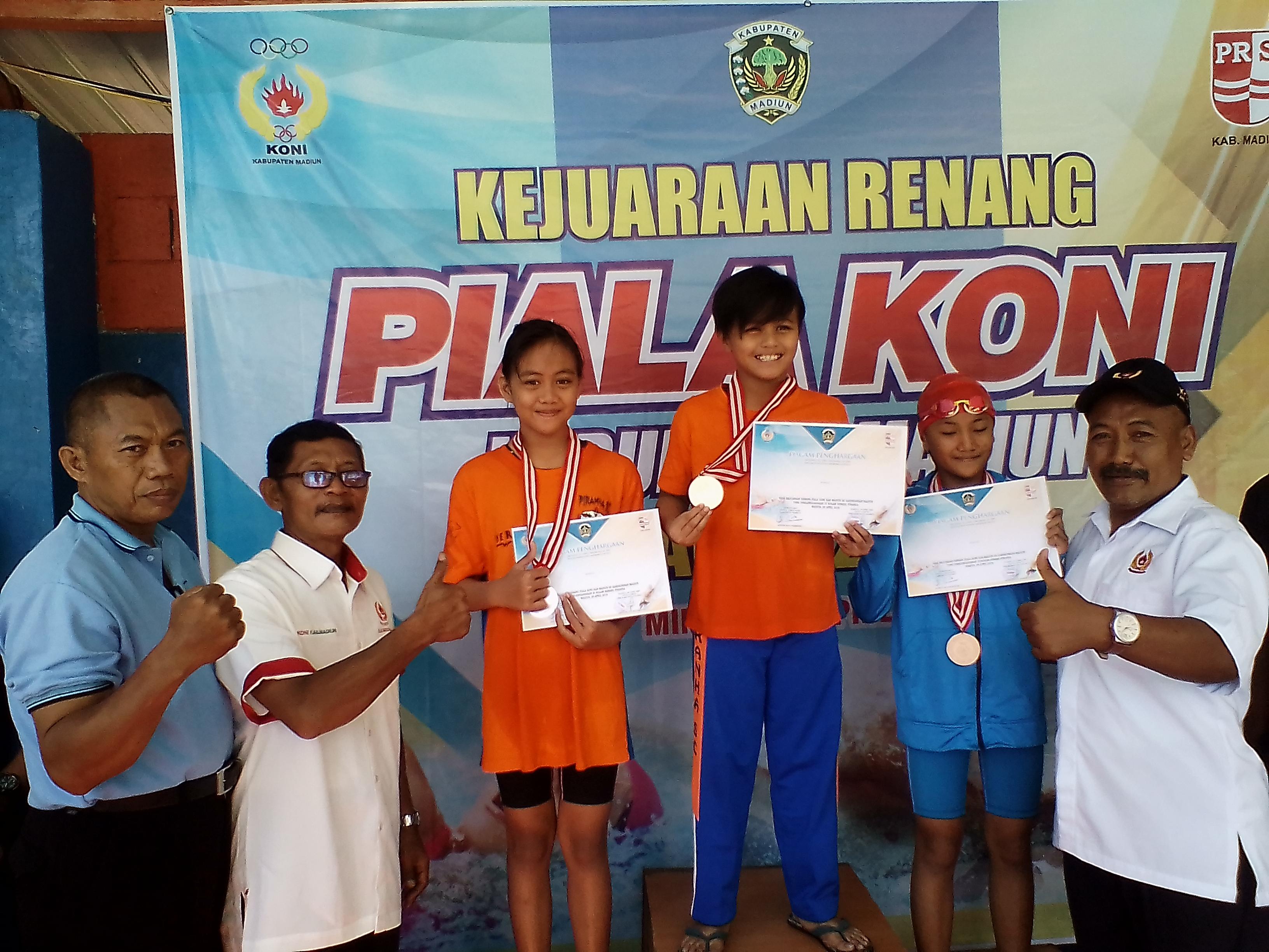Ratusan Atlet Ikuti Kejuaraan Renang Piala Koni Kabupaten Madiun Kolam