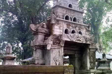 10 Destinasi Liburan Madiun Kaskus Makam Masjid Kuno Taman Kab