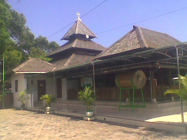 Hasan Asal Usul Daerah Taman Mesjid Makam Masjid Kuno Kab
