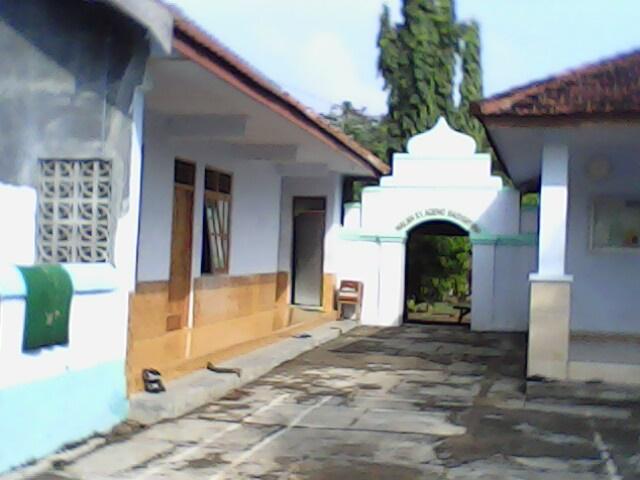 Masjid Sewulan Situs Tua Keramat Madiun Setelah Makam Kuno Taman