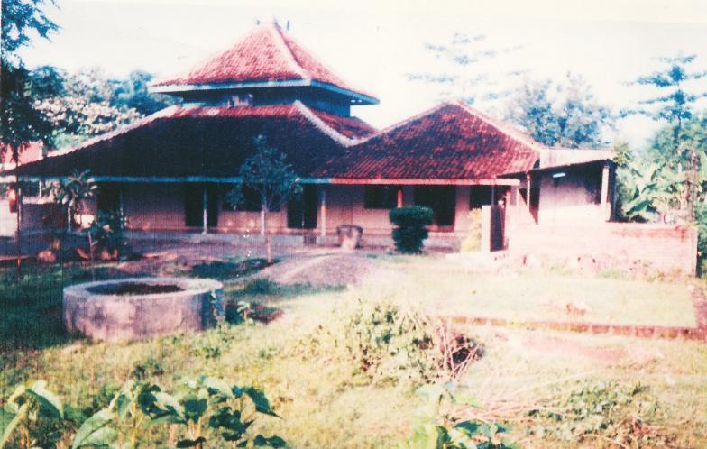 Wong Jowo Tanah Perdikan Kuncen Masjid Nur Hidayatullah Kuno Makam