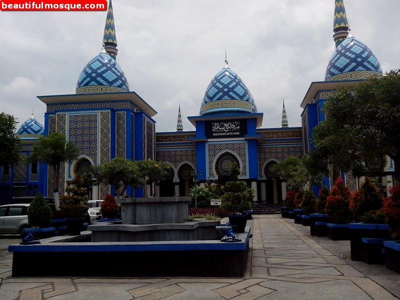Madiun Indonesia Pictures Videos News Citiestips Agung Baitul Hakim Mosque