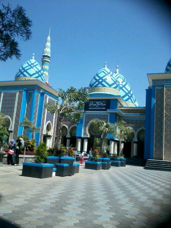 Mampir Yukk Masjid Terbesar Termegah Kota Madiun Agung Baitul Hakim