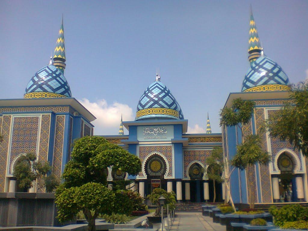 Masjid Agung Baitul Hakim Aloon2 Madiun Mapio Net Alun Baitu