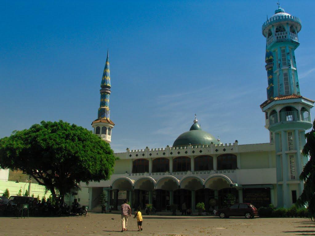 Masjid Agung Baitul Hakim Aloon2 Madiun Mapio Net Besar Kab