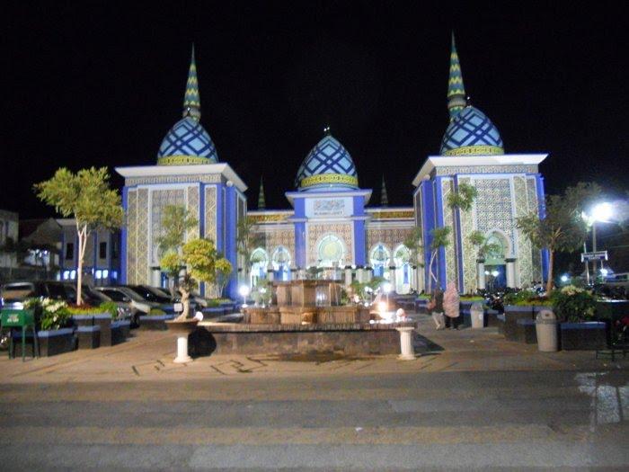 Masjid Agung Baitul Hakim Aloon2 Madiun Mapio Net Haki Kab