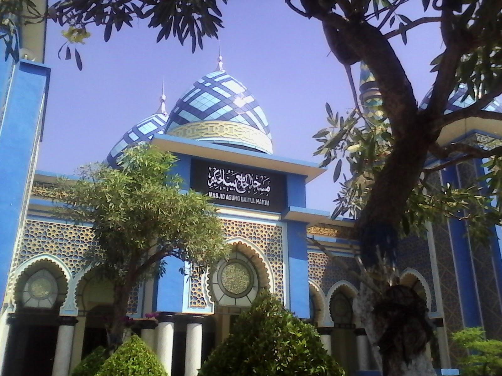 Masjid Agung Baitul Hakim Kota Madiun Terbesar Letaknya Sebelah Barat