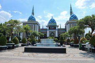 Masjid Agung Baitul Hakim Madiun Images Instagram Veronica Montessori Media