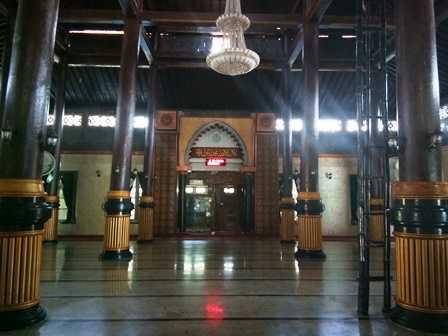 Perpaduan Tradisional Modern Masjid Agung Madiun Oleh Bagian Dokpri Baitul