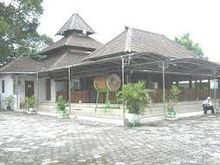 Makam Masjid Kuno Taman Wikipedia Bahasa Indonesia Ensiklopedia Madiun Jpg