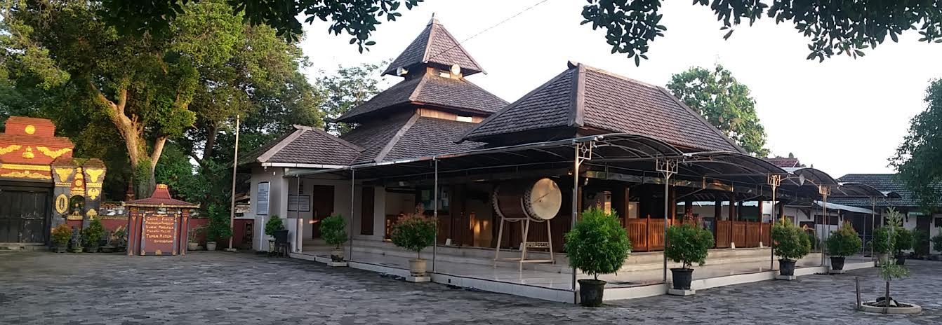 Masjid Besar Kuno Taman Madiun Tua Peninggalan Abad 18 Kuncen