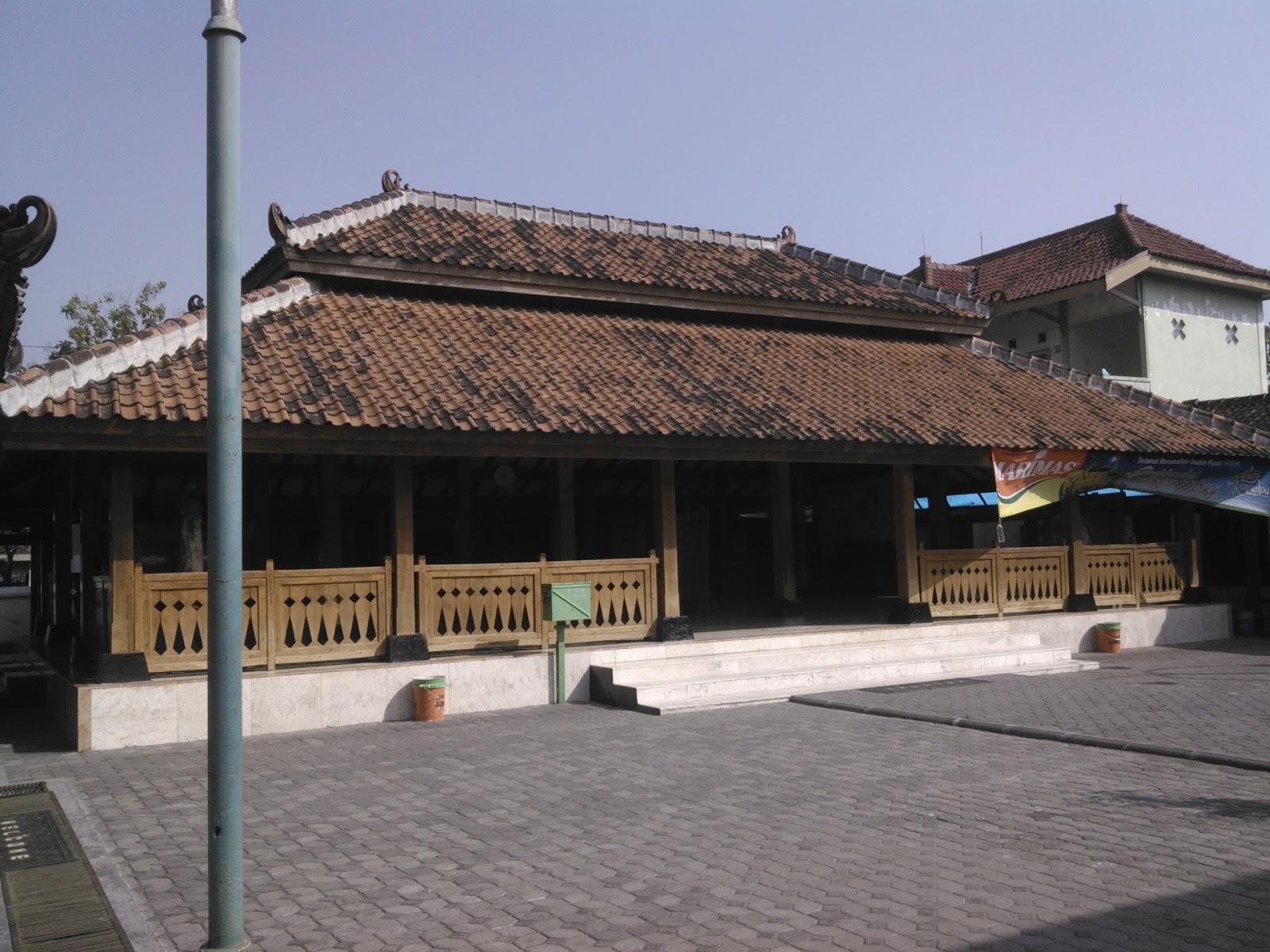 Masjid Kuno Kuncen Tempat Mencari Ketenangan Batin Madiun Kota Investigasi