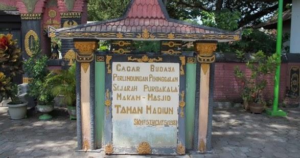 Pesona Keindahan Wisata Makam Masjid Kuno Taman Madiun Daftar Tempat