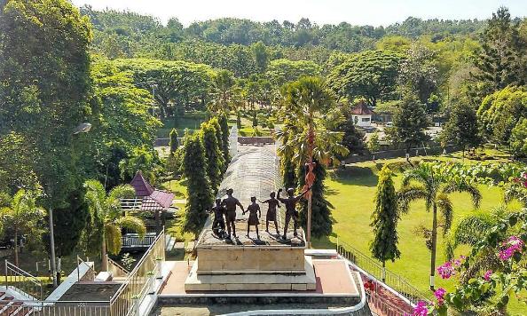 19 Tempat Wisata Madiun Jawa Timur Populer Monumen Kresek Kab