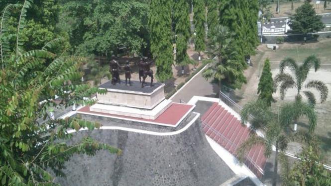 Monumen Kresek Cerita Tentang Pembantaian Pki Madiun Viva Photo Report