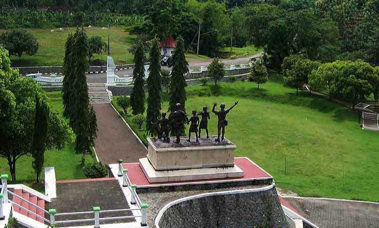 Monumen Kresek Plasa Informasi Kab Madiun