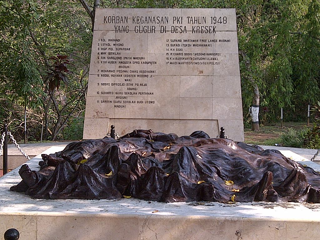Monumen Kresek Prasasti Pengingat Kekejaman Pki Madiun Takaitu Artikel Terbaru