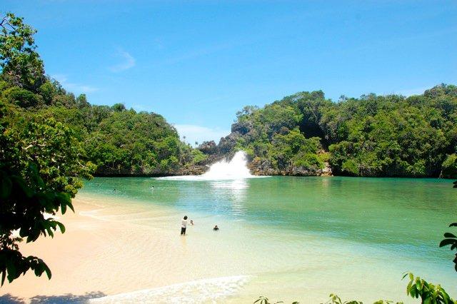 Pantai Sendang Biru Malang Objek Wisata Seru Cantik Alami Keindahan