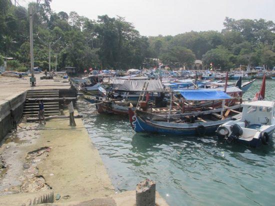 Terganjal Infrastruktur Nelayan Pantai Sendangbiru Jual Ikan Kapal Disandarkan Area