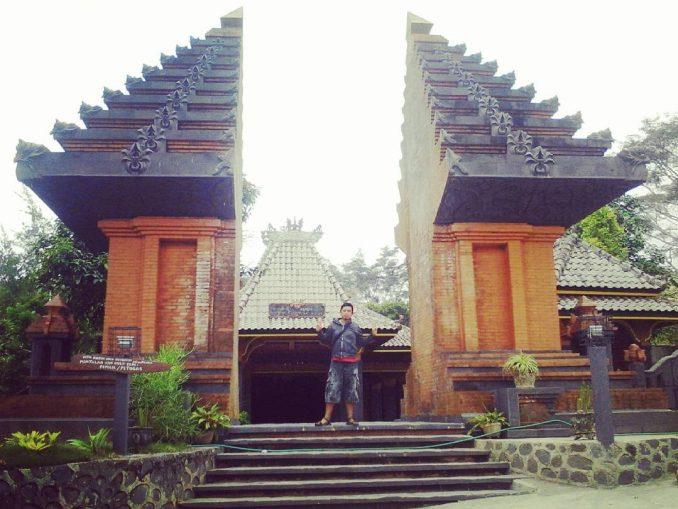 Situs Nglambangan Kerajaan Majapahit Infomadiun Net Aswin Loka Kare Madiun