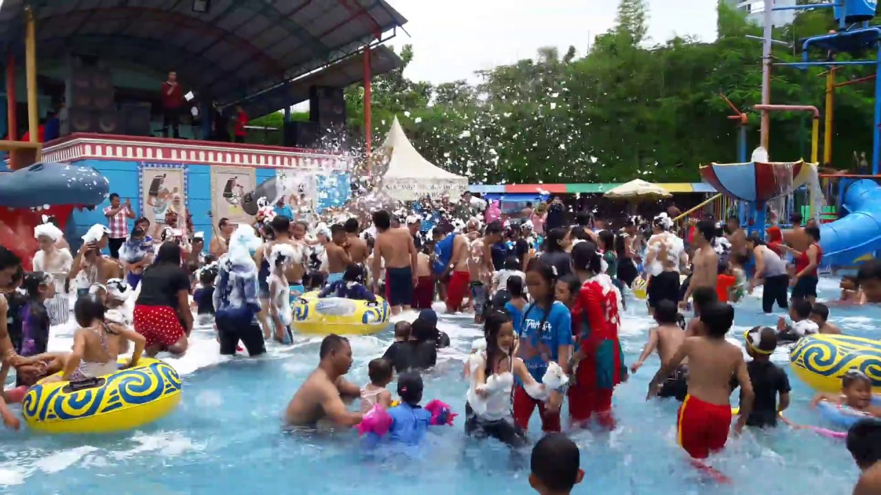 Mandi Busa Waterpark Suncity Sidoarjo Youtube Sun City Theme Park