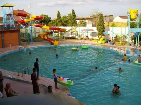 Daftar Tempat Wisata Madiun Jawa Timur Terbaik Dumilah Waterpark Taman