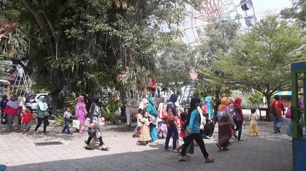 Info Wisata Taman Umbul Square Kab Madiun Terlengkap 2018 Pemandian