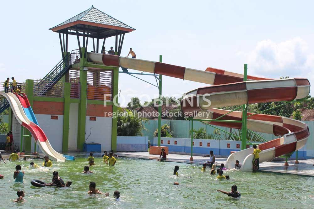 Info Wisata Taman Umbul Square Kab Madiun Terlengkap 2018 Wahana