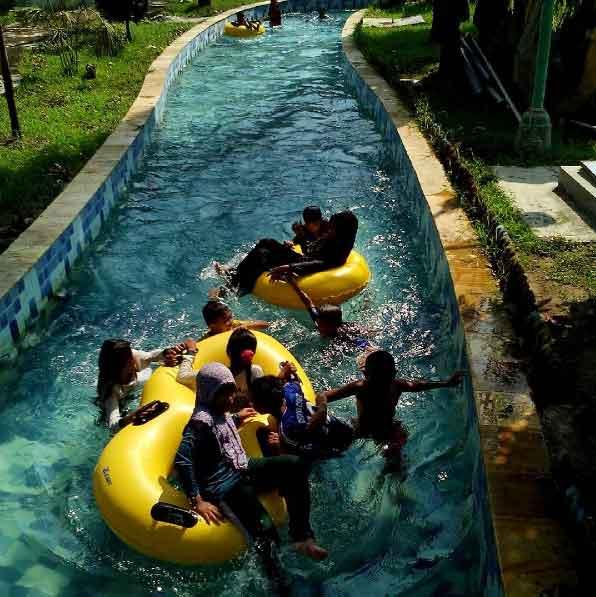 Tempat Wisata Madiun Terbaru 2018 Terindah Rekomended Air Taman Dumilah