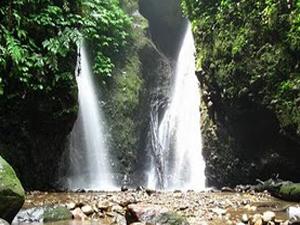 Wisata Kabupaten Madiun Beritau Net Air Terjun Serondo Taman Dumilah