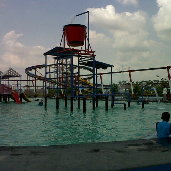 Photos Waterpark Tirtonirmolo Tempuran Photo Dasril 10 19 2013 Taman