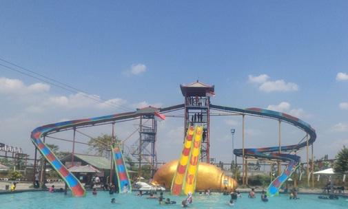 8 Tempat Wisata Madiun Wajib Kunjungi Dumilah Water Park Waduk